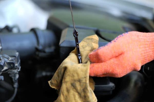 Metal shavings in oil - car oil dipstick