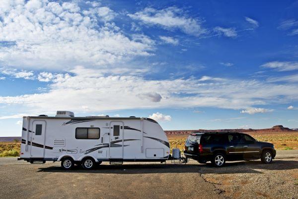 fix flat tire on travel trailer